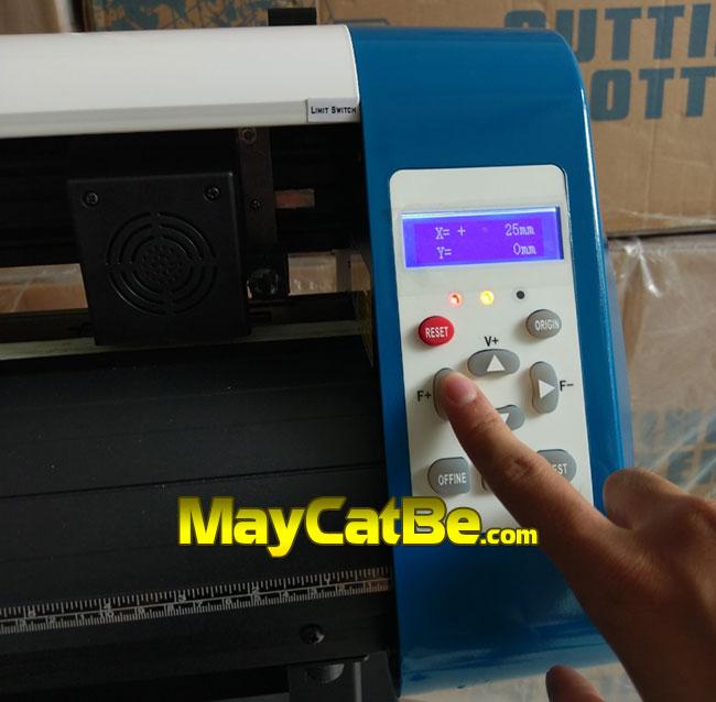 Máy cắt bế decal AB-720 - Màn hình, bàn phím